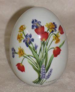 Vintage Avon Porcelain Floral Seasonal Summer Collectible Egg Figurine