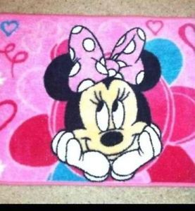 NIP Disney Minnie Mouse Bathroom Set 2 Rugs Shower Curtain And Hooks