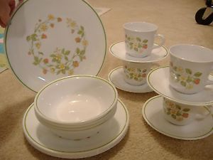 Corelle Strawberry Sundae Dishes 4 Place Setting Dinnerware Set