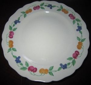 Canonsburg The Hallmark of Quality Dinnerware Set Set of 8 Plates Fruit Design