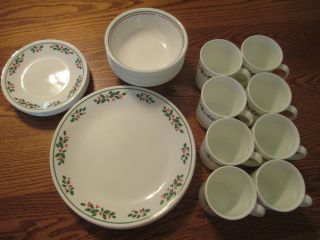 Corelle by Corning Dinnerware Set of Eight Christmas Holly Green Red Design USA