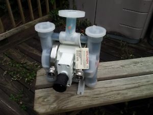 Wilden 1 inch Air Powered Double Diaphragm Pump