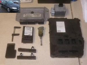 Immobiliser Kit Lock Set 8200298463 8200298457 Renault Megane 1 4 5DR 02 08
