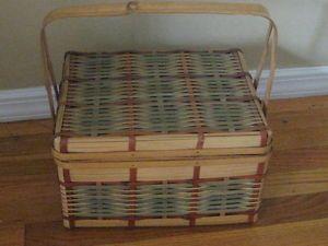 Vintage Wicker Woven Picnic Basket Storage Box Decorative Home Organization