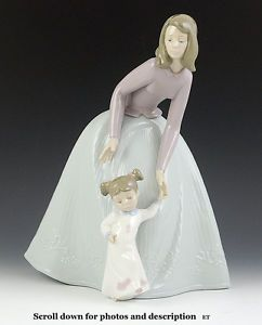 Nao Lladro Mother Daughter Porcelain Figurine Just Lovely