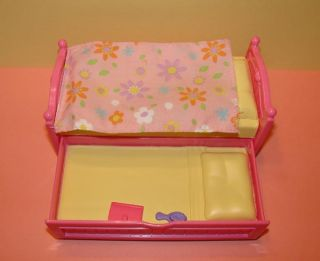 Fisher Price Loving Family Dollhouse Girls Pink Yellow Trundle Bed Slides Out