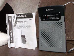 Radio Shack 12 586 Am FM Pocket Radio Mint as Seen $1 Shipping