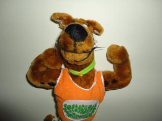 Scooby Doo Sports Dog Cartoon Network 1998 Stuffed Toy Flexing Muscles