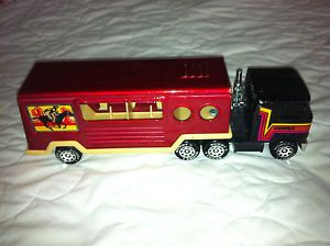 Vintage 1980 Buddy L Mack Truck Semi and Side Load Horse Trailer
