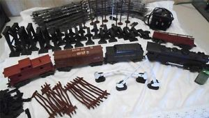Marx Electric Train Set O Scale 666 Locomotive Smoking Many Many EXTRAS