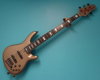 Yamaha BBNE2 Nathan East Limited Edition Bass