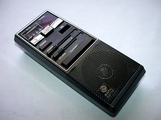 1985 GE 3 5910 40 Channel 2 Way CB Portable Radio