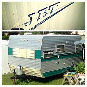 Vintage 71' Jet Travel Trailer camper Camp Ready Retro Canned Ham Style Hunting