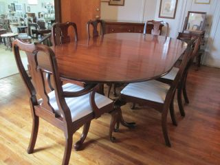 http://img0126.popscreencdn.com/181347610_henkel-harris-dining-table-and-6-chairs-queen-anne-.jpg