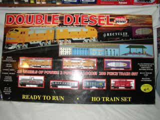 HO Scale HO Trains Union Pacific Double Diesel Train Set 1042 Up Dual Locomotive