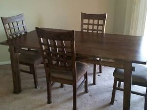 Solid Wood Dining Room Table and Matching Chair Set