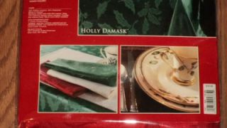 "NIP Lenox Red ""Holly Damask"" Fine Linen Tablecloth 60"" x 104"" Oblong 152cmx264cm"
