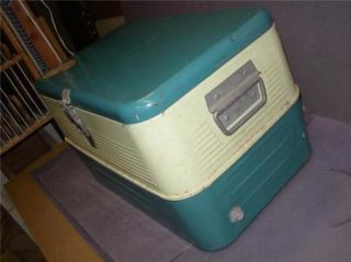 Vintage Galv Steel Cooler Ice Chest Thermos 50 yr Green