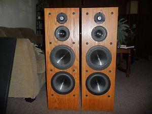 Pair of vintage infinity rs 10 floor standing tower speakers woofers
