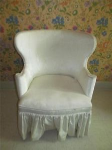 Ethan Allen Estate Balloon Back Ruffled Skirt Accent Chair to Be re Upholstered