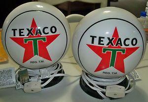 Retired Pair of Enesco Texaco Lamps Night Light Star T Gas Pump Globe Lamps