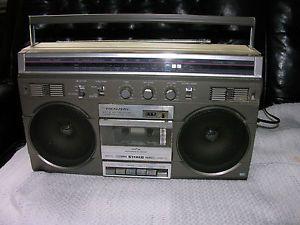 Realistic Am FM Cassette Boombox