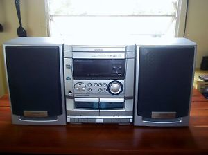 Aiwa Shelf Stereo System w 3 Disc CD Player Am FM Stereo Speakers Aux
