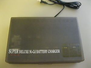 Super Deluxe Trisonic Universal Ni CD Battery Charger TS 541