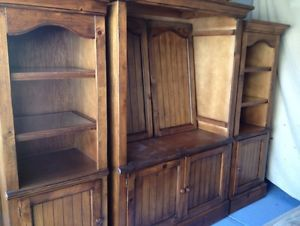 Hamilton Heritage Collection Book Shelves Entertainment Center