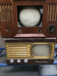5 Neat Old Vintage Portable TV Televisions RCA Emerson Tele Tone and Motorola