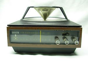 Vintage Zenith Solid State Circle Radio Model D424W Omni Directional Top Speaker