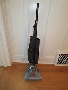 1920's Vintage Hoover Vacuum Cleaner Model 700 Works