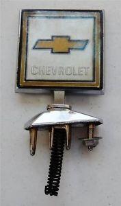 1973 82 Chevrolet Truck Hood Ornament Emblem GM 14000797 in Box