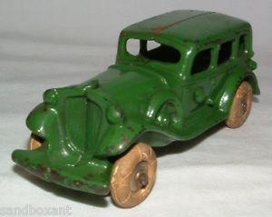 Vintage 1920's A C Williams Cast Iron Toy Car w Sidemounts White Rubber Tire
