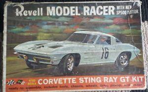 Revell Model Racer 1 32 Scale Slot Car Model Corvette Sting Ray GT Kit Parts 60s
