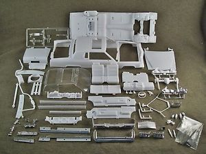 1 25 Scale Model Car Parts Junk Yard 1984 Cadillac Coupe DeVille Body Chassis