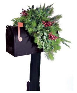 36 in. Estate Pre lit LED Mailbox Swag   Battery Operated   Christmas Swags